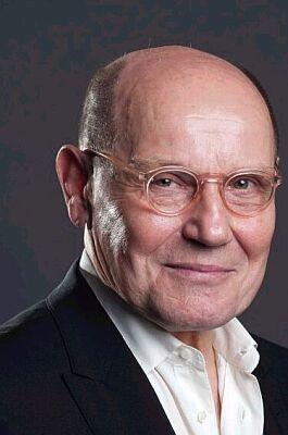 Jürgen Schornagel earned a  million dollar salary - leaving the net worth at 2 million in 2018